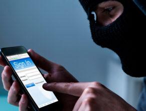Телефонные мошенники в России
